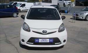 Un'auto piccola scattante e versatile