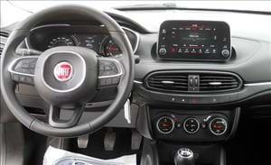 Fiat Tipo l'auto compatta per la famiglia e il lavoro