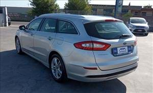 Ford Mondeo Titanium Business, l'inconfondibile Station Wagon Ford